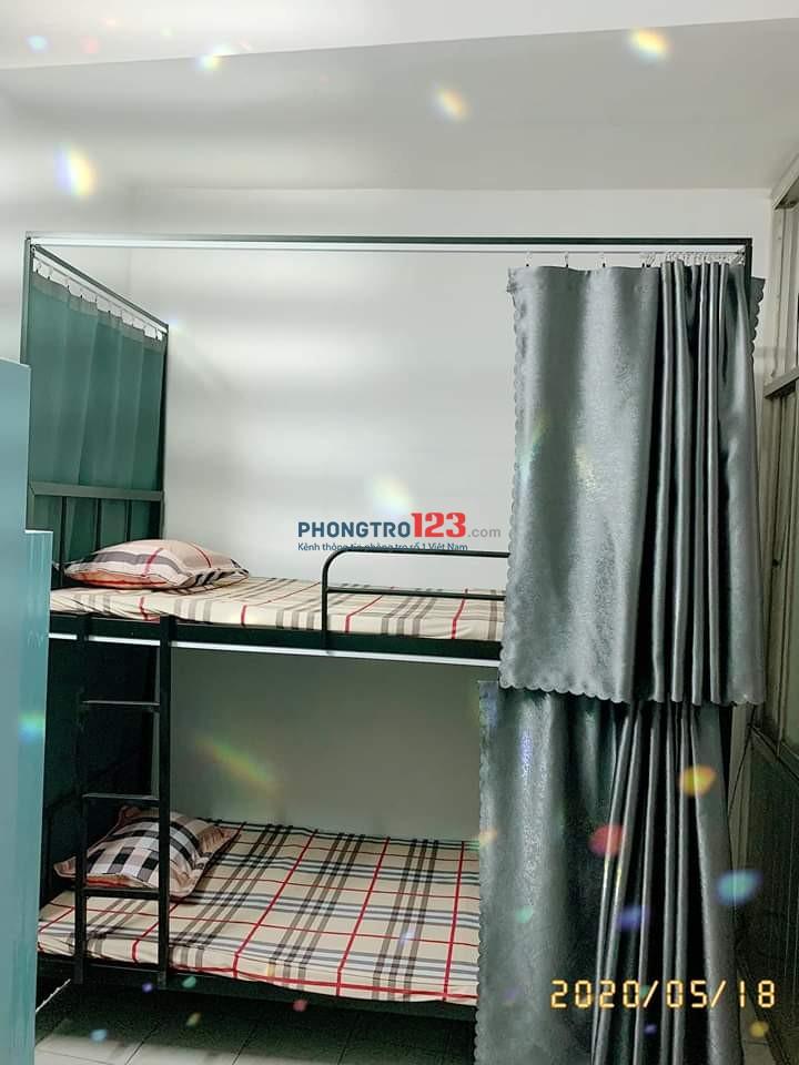 Kí túc xá nữ 6 giường/phòng CMT8, Q.10 trọn gói 1.2tr/tháng