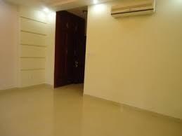 Quận 10, cho thuê phòng, hiện còn 1 phòng đầy đủ tiện nghi, có máy lạnh, có balcon, toilet riêng...