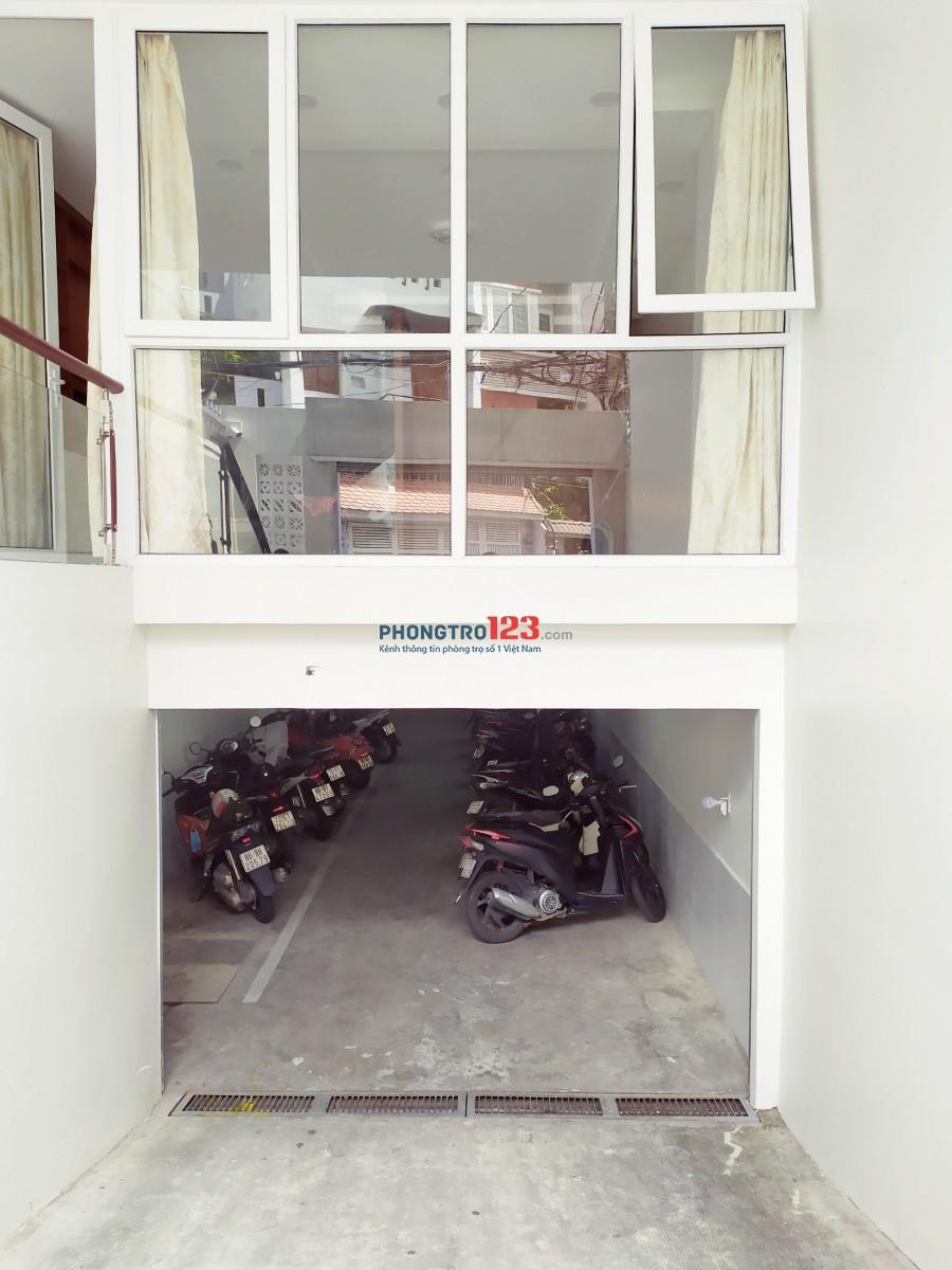 Gần công viên Hoàng Văn Thụ - view sân bay - có gác rộng - bếp đẹp - máy lạnh - thang máy - bảo vệ vân tay 24/24/7