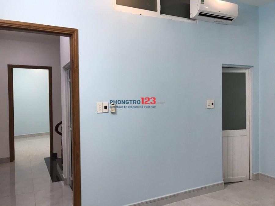 Cho thuê nhà 1 trệt 2 lầu có 3 phòng ngủ 3 WC hẻm xe hơi 6m, liên hệ chính chủ Anh Thanh