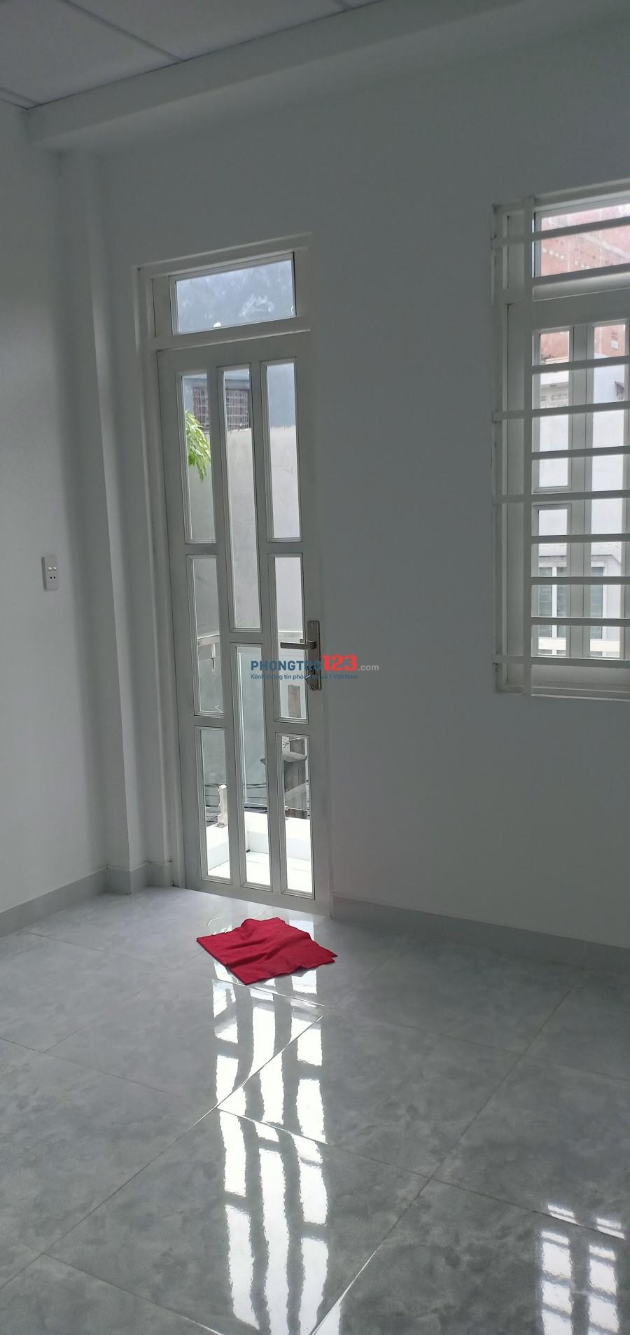 Nhà 1trệt 1lầu, 2toilet, 2 phòng ngủ, ban công thoáng mát