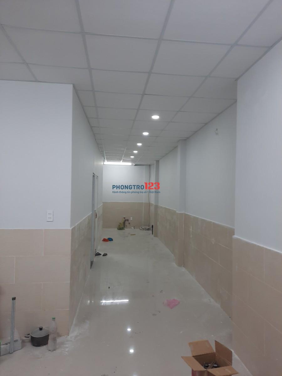 Phòng trọ mới xây, vật liệu cao cấp, cạnh khu Công nghệ cao, giao thông thuận lợi