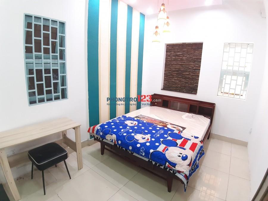 Cho thuê phòng tầng trệt, có bếp. Gần Center Point Nguyễn Trọng Tuyển