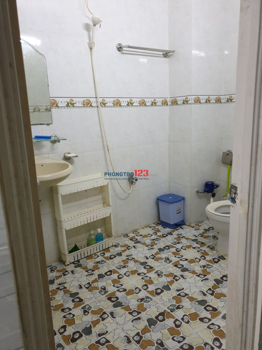 Phòng full nội thất đẹp. Giá rẻ đường Nguyễn Tri Phương, quận 10