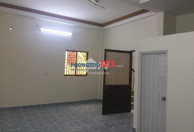 Phòng rộng 30m2 thoáng mát sạch sẽ, ngay Nguyễn Tri Phương và 3/2, Quận 10