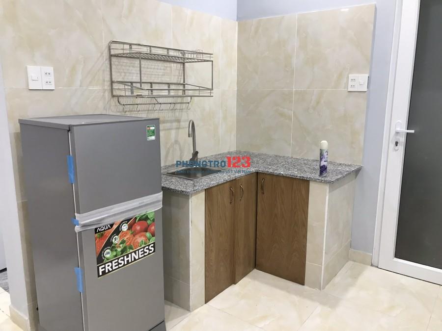 Cho thuê phòng full nội thất, có ban công và cửa sổ Bùi Đình Tuý, Quận Bình Thạnh