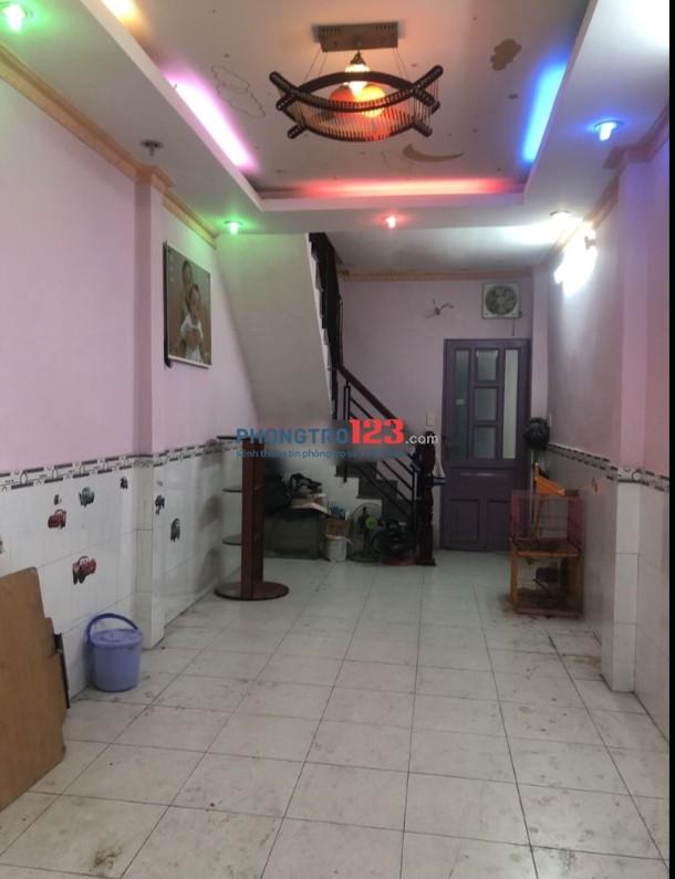 Cho thuê nhà nguyên căn 70m2 2pn tại hẻm 100 Đinh Tiên Hoàng, P.1, Q.Bình Thạnh. Giá 9tr/th