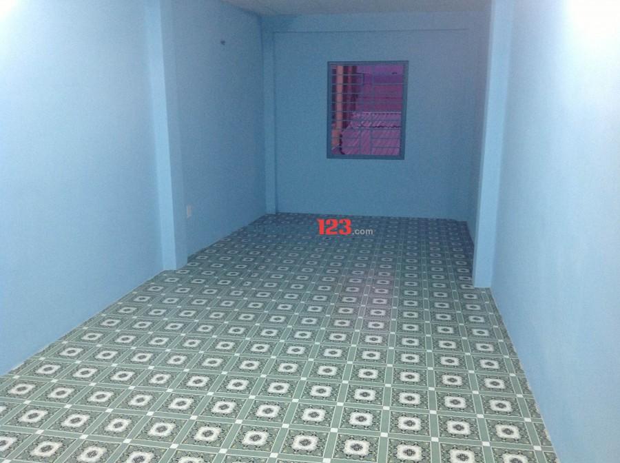 Cho thuê nhà trong hẻm đẹp, gần mặt tiền Đoàn Văn Bơ, Quận 4. Giá 5.4 tr/th