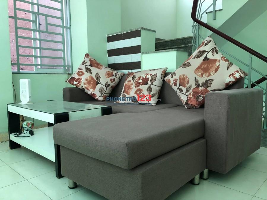 Phòng Full nội thất giá rẻ đường CMT8, chỉ 4.5tr/tháng, khu an ninh, yên tĩnh, giờ giấc tự do