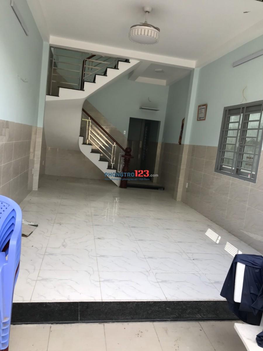 Cho thuê nhà nguyên căn mới xây 1 trệt 1 lầu và sân thượng sau Lưng Suối Tiên Q9 giá 8tr/th