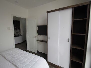 Cho thuê căn hộ Full nội thất, Free dịch vụ vệ sinh, ngay trung tâm Quận 1