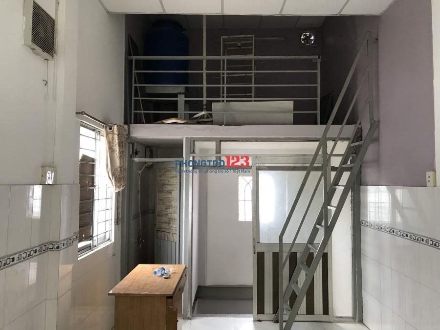Cho thuê nhà nguyên căn 1 trệt 1 lầu 40m2 mặt tiền 106 Hòa Bình P Hòa Thạnh Q Tân Phú