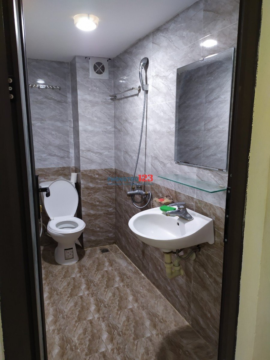 Căn hộ mini cho gia đình ở Tân Ấp, Phúc Xá: thang máy, ĐH 2 chiều, wifi, TH cáp, máy giặt