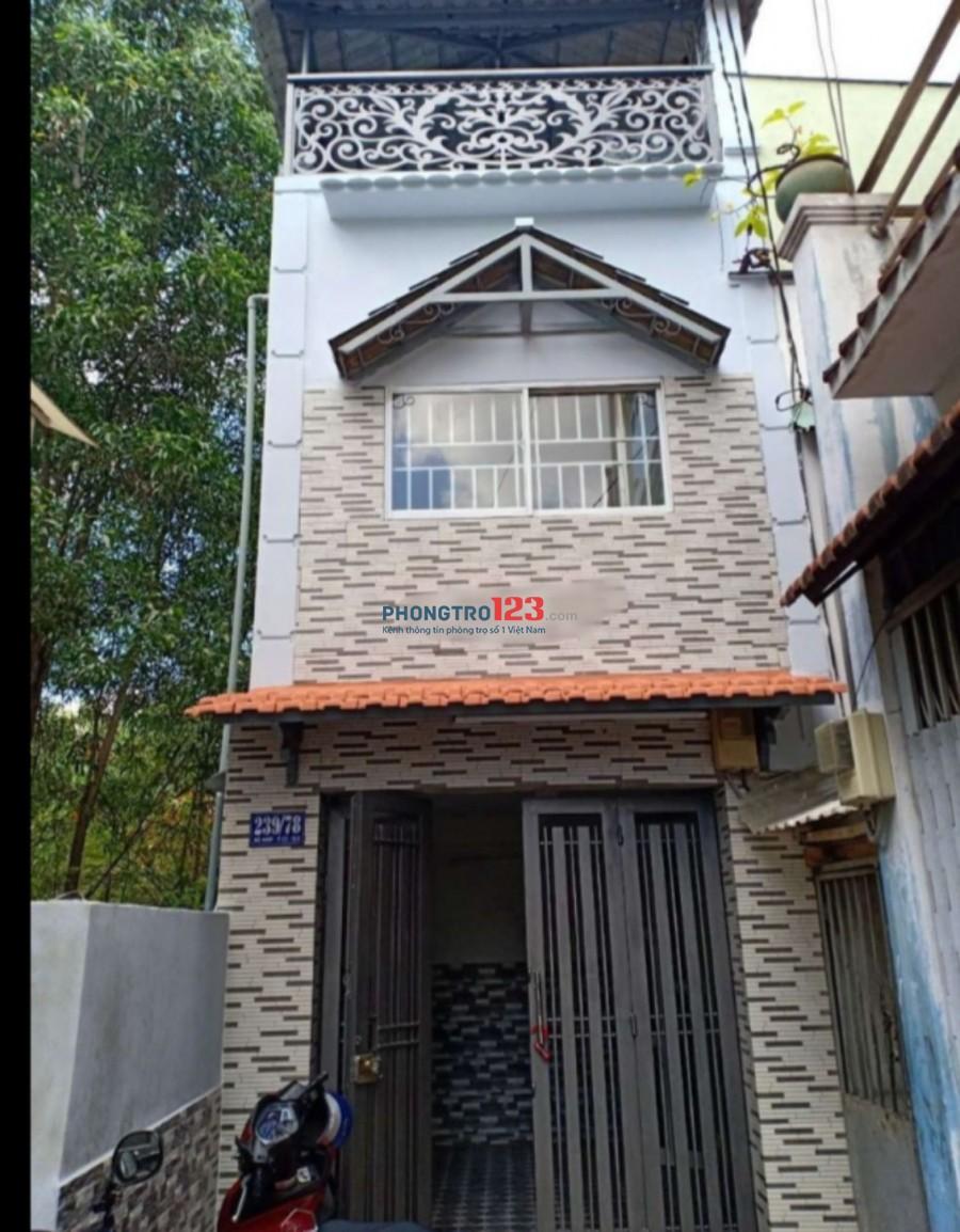 Cho thuê nhà nguyên căn 1 trệt 1 lầu sân thượng hẻm xe hơi tại Bà Hom Q6 giá 9tr/tháng