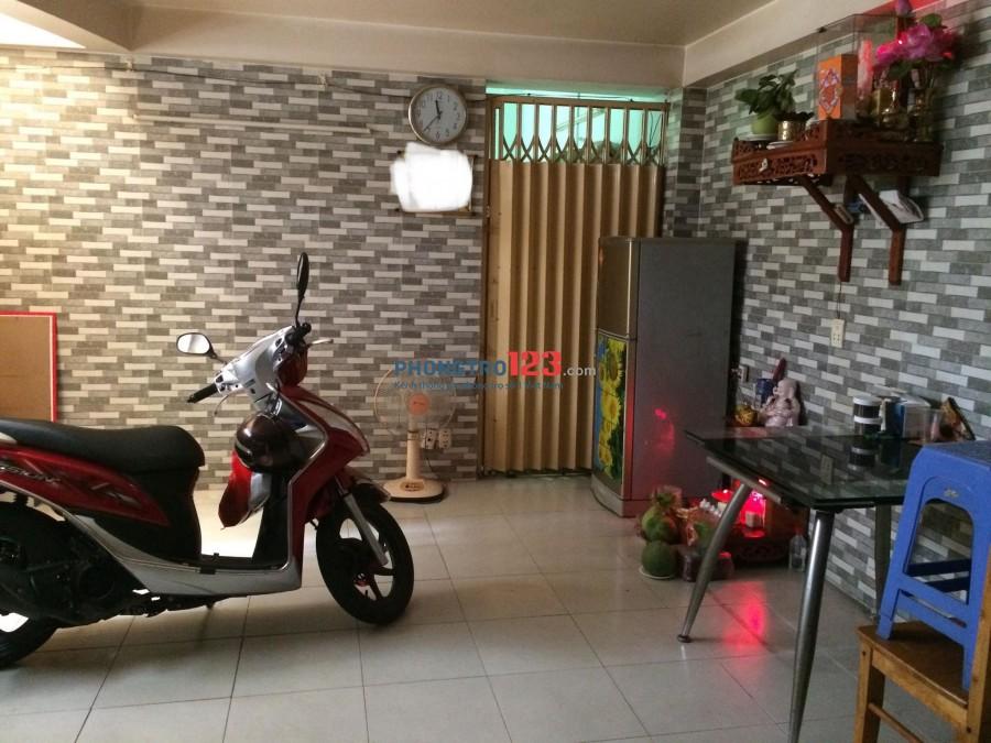 Nhà đẹp ngay chợ Tân Định, giao thông thuận lợi