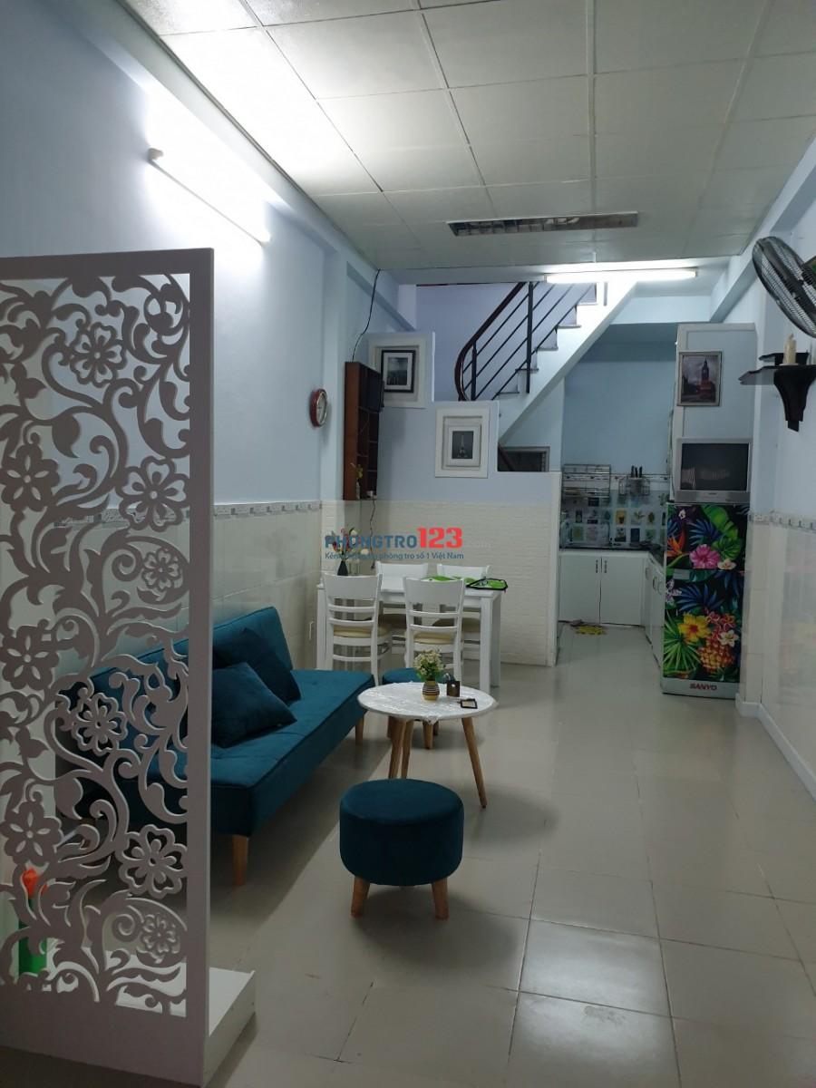 Cho thuê nhà mới có máy lạnh 3x12 1 lầu 2pn tại Hoàng Hoa Thám Q Bình Thạnh giá 12tr/th
