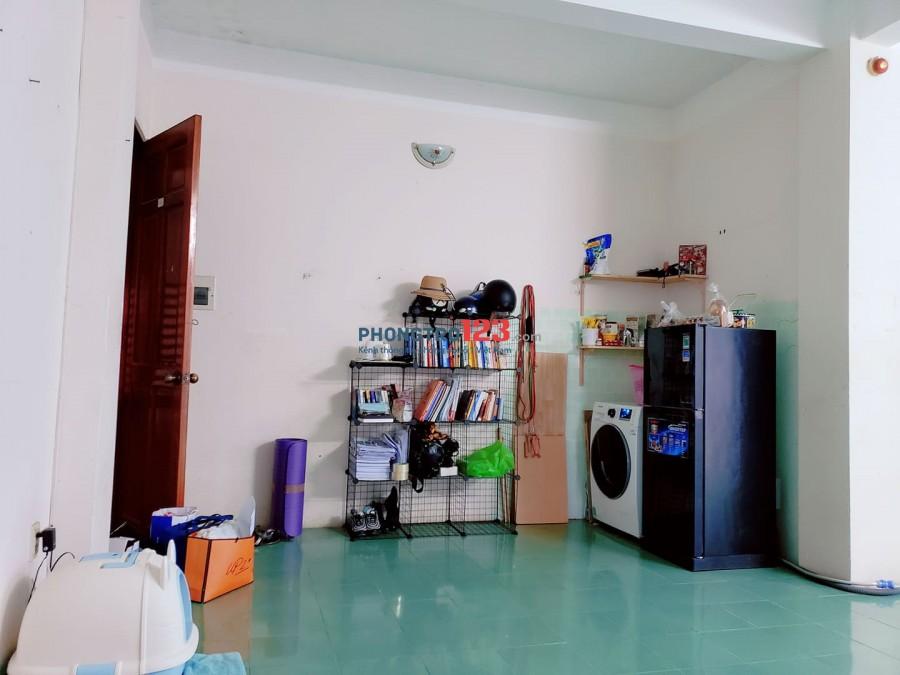 Cho nữ thuê căn hộ chung cư phòng rộng, sạch, thoáng mát