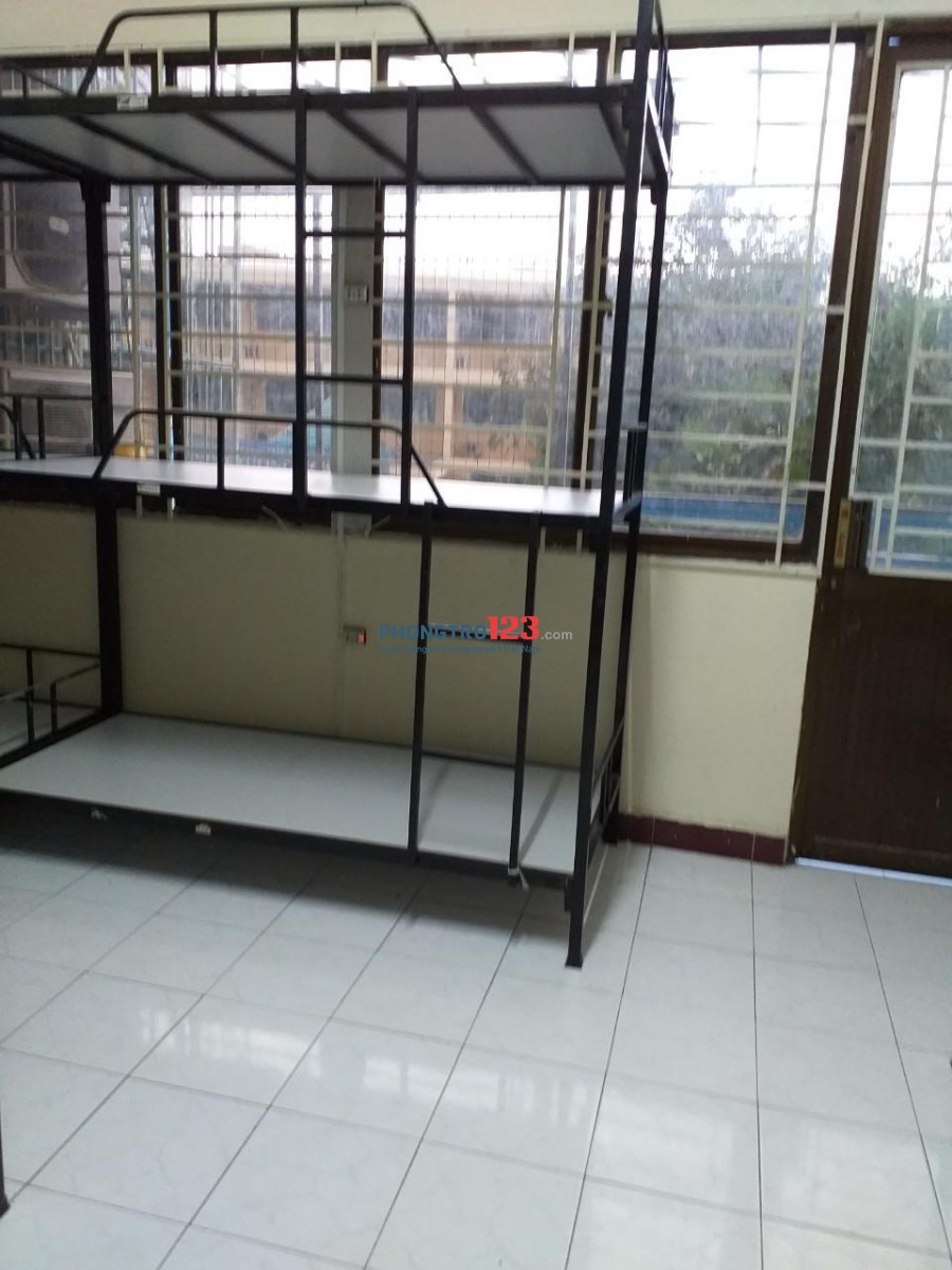 Phòng trọ KTX già rẻ(sạch sẽ_an ninh đảm bao) 700k/t bao trọn gói Quận Tân Bình