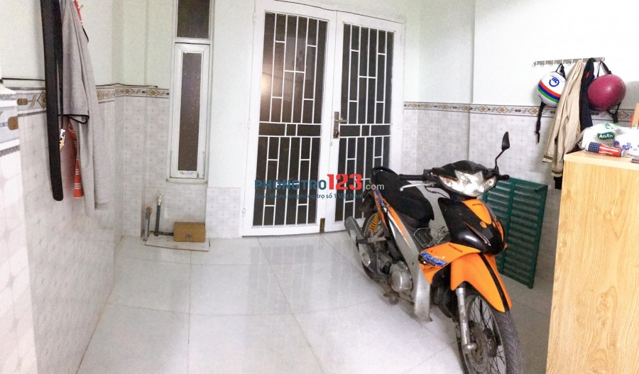 Cho thuê nhà nguyên căn, trệt lầu có ban công cửa sổ, 3x15m, DTSD 80m2, 2PN 2 WC, giá rẻ 8tr/tháng
