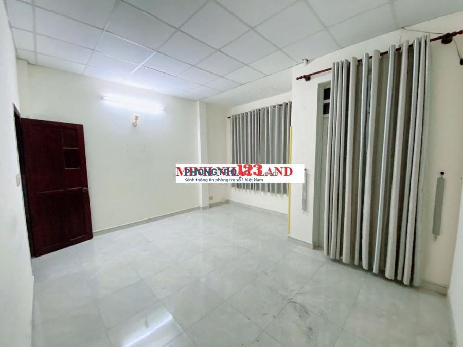 Nhà HXH 861 Trần Xuân Soạn 2PN 2WC cho thuê nguyên căn