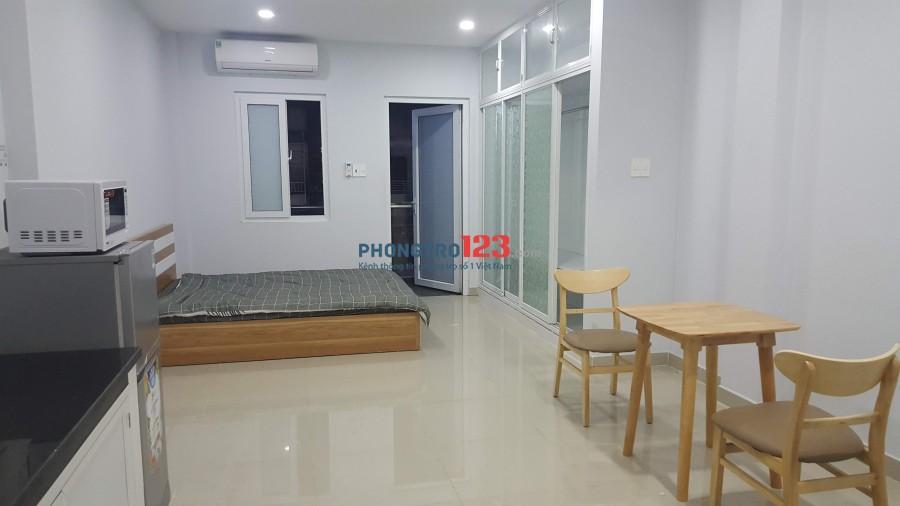 Phòng Studio 35m2 - nội thất, ban công - gần chung cư Bộ Công an