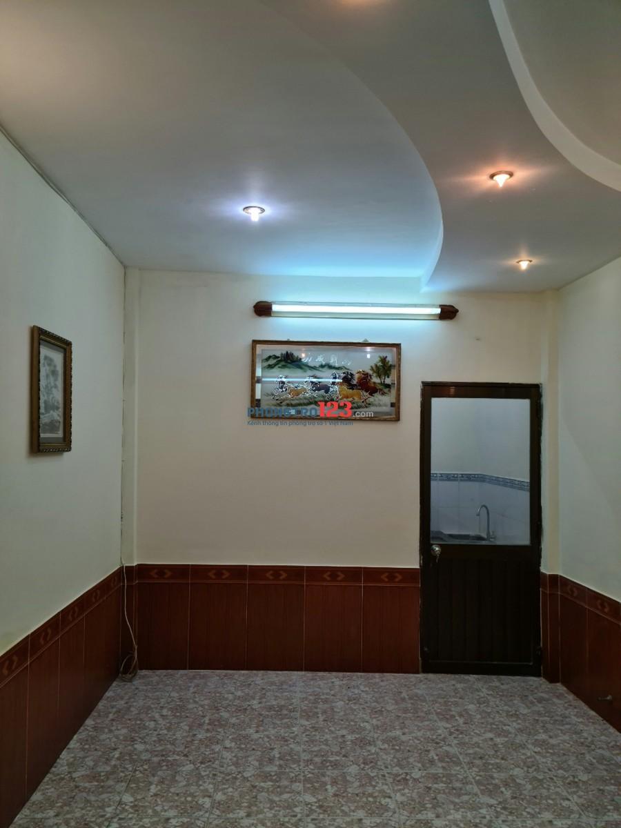 Chính chủ cho thuê nhà 1 trệt 1 lầu 50m2 có sẵn máy lạnh tại Trần Hưng Đạo P Cầu Kho Q1 giá 10tr/th