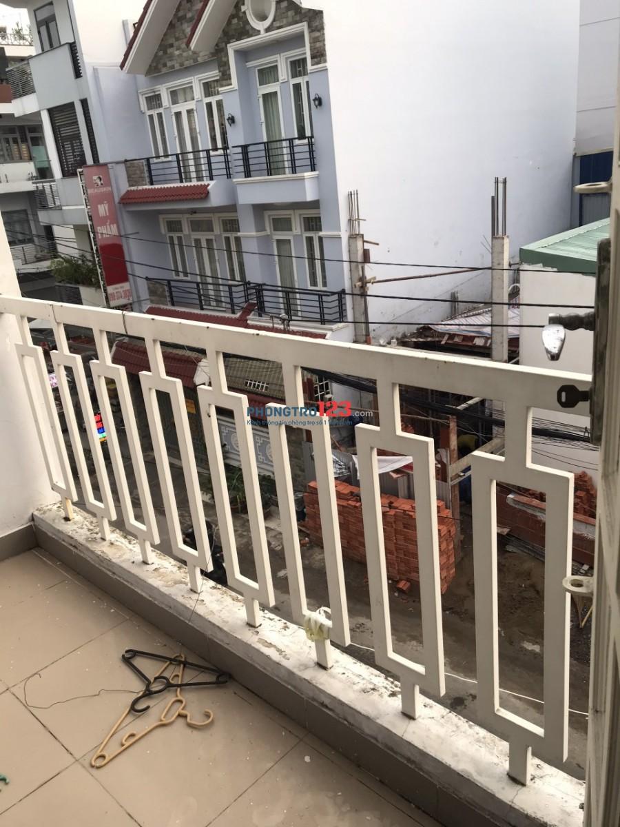 Chính chủ cho thuê phòng Balcon 20m2 tại Cư Xá Phú Lâm B P13 Q6 giá 2,5tr/tháng