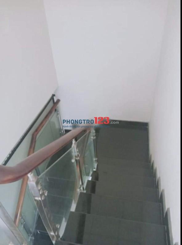Sang hợp đồng nhà 1 trệt 1 lầu 4,5x18 mặt tiền đường Mã Lò P Bình Trị Đông A Q Bình Tân