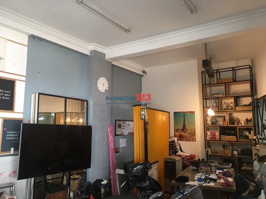 Mặt bằng kinh doanh, văn phòng, ngay ngã ba Hoàng Hoa Thám - Lê Trung Nghĩa