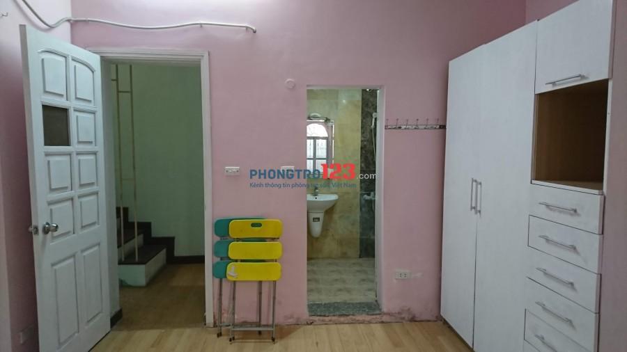 Chính chủ cho thuê căn hộ khép kín tại 378/17 Đường Lê Duẩn, Phường Phương Liên, Quận Đống Đa, Hà Nội