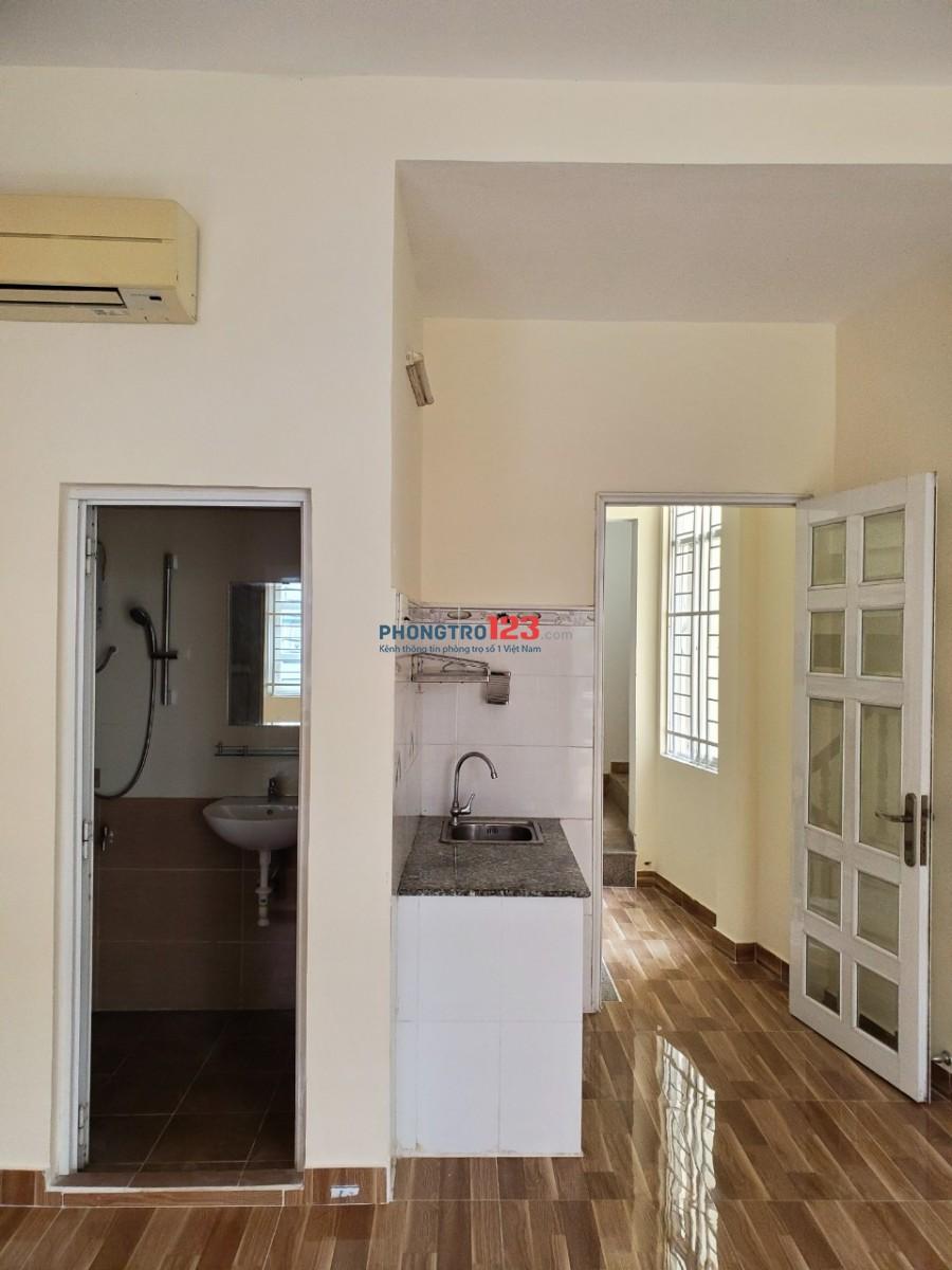 Cho thuê căn hộ dịch vụ mới xây đầy đủ nội thất gần Sân Bay Tân Sơn Nhất giá từ 5tr/tháng