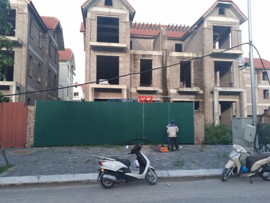 Cho thuê Nhà BT17-04 KĐT Phú lương, nhà 3 tầng xây thô, diện tich đất 216m2;