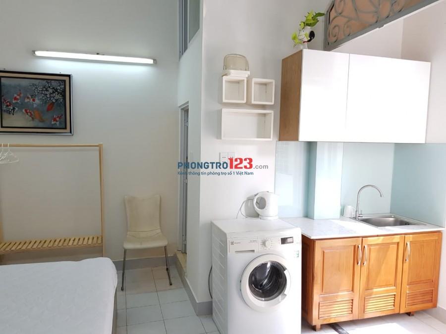 Cho thuê căn hộ có ban công lớn full nội thất đẹp như hình giá 7,5tr diện tích 30m2