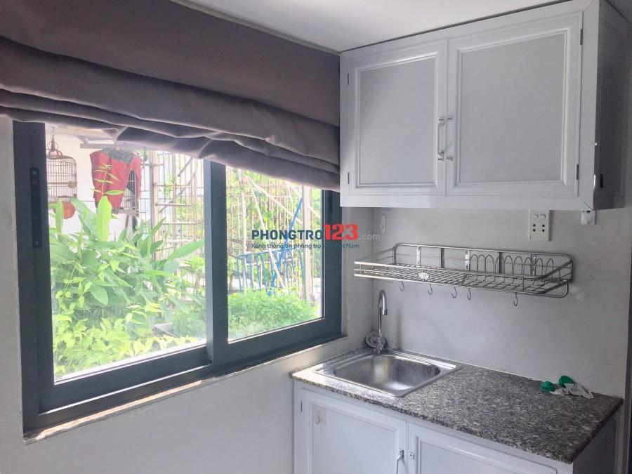 Phòng có gác và cửa sổ thoáng quận Tân Bình