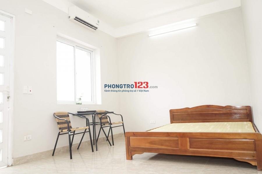 Phòng có điều hoà - 2 buồng- bếp ngủ- gần trung tâm
