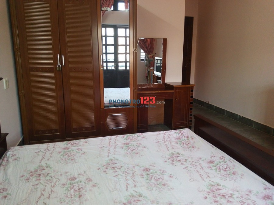 Phòng VIP đẹp Bình Lợi đủ tiện nghi, có ban công, view đẹp, cao cấp