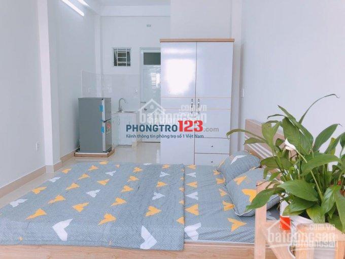 CHDV đường Nguyễn Cửu Vân 27m , full nội thất, dọn vào ở ngay, chỉ 4.5 triệu/thang ngay ĐH Hutech
