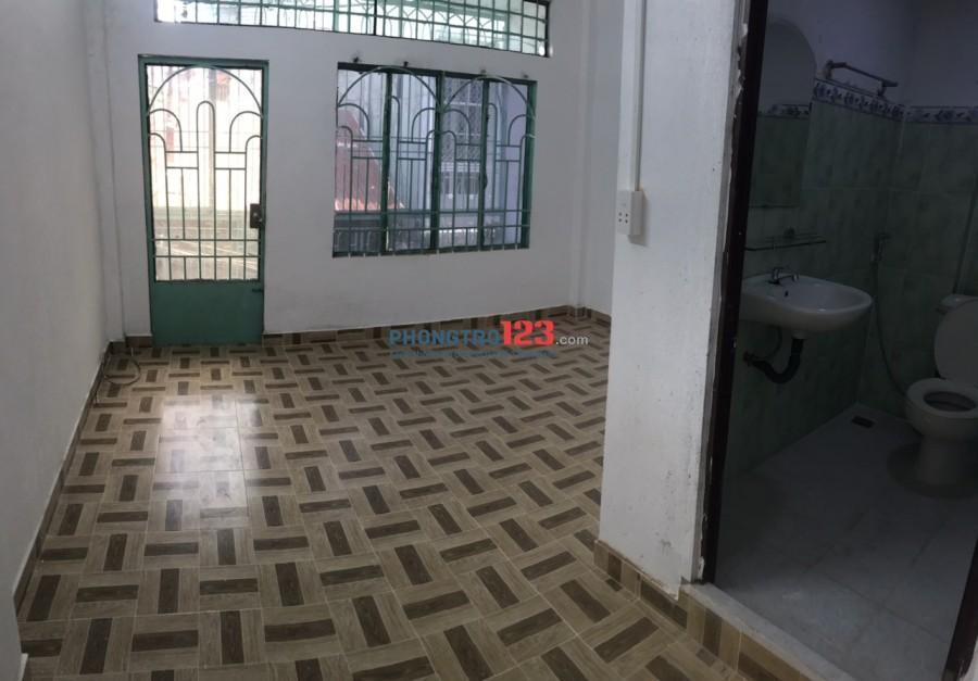 Cho thuê từng phòng hoặc nhà nguyên căn 1 trệt 1 lầu số 172/6 Trần Phú P9 Q5 giá từ 5tr/th