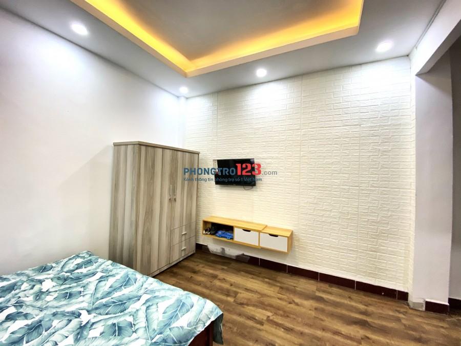 Phòng cao cấp full nội thất Vạn Hạnh mall