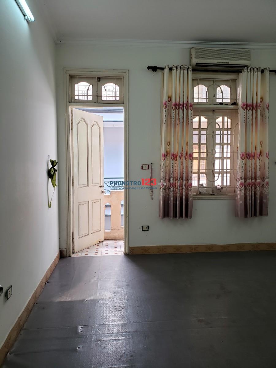 Cho thuê phòng trọ đủ đồ SD DT: 20m2 54 ngõ 121 phố Chùa Láng, Láng Thượng