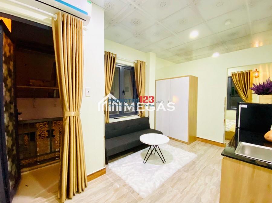 [Chính chủ] Cho thuê CHDV Studio/ 1 Pn riêng có BAN CÔNG và CỬA SỔ LỚN, đầy đủ tiện nghi, gần cầu Khánh Hôị sát Q1,Q5