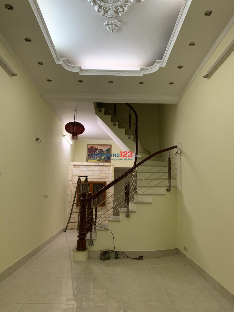 Cho thuê phòng trọ gần khu vực Xã Đàn, Phạm Ngọc Thạch