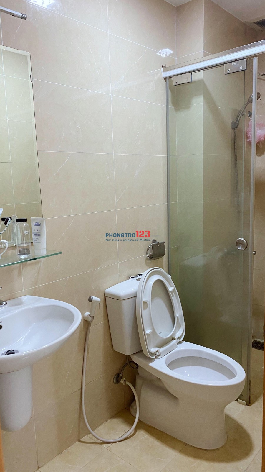 Cần 1 Nam ở ghép căn hộ The CBD Premium home, Q.2.Chỉ 1,5 Triệu/tháng cho căn 3PN-2WC-1PK. Liên hệ: 0902862234