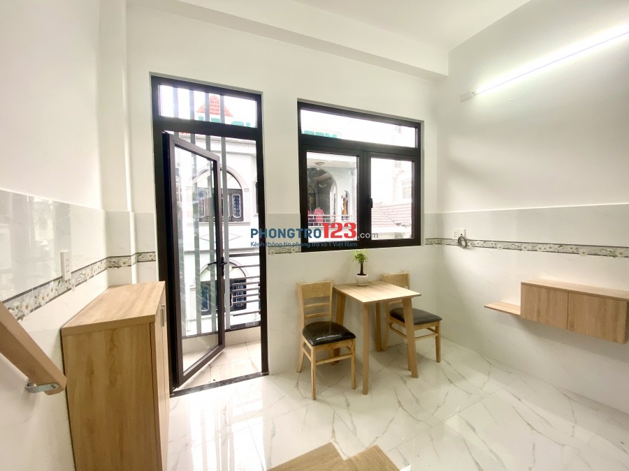 Cho thuê căn hộ dịch vụ cao cấp mới xây đầy đủ nội thất tiện nghi ngay tại Cộng Hoà