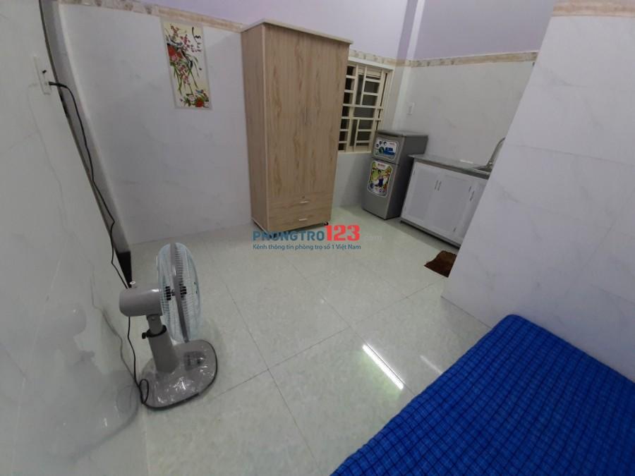 Phòng full nội thất có ban công siêu rộng ở Tân Kỳ Tân Quý Quận Bình Tân