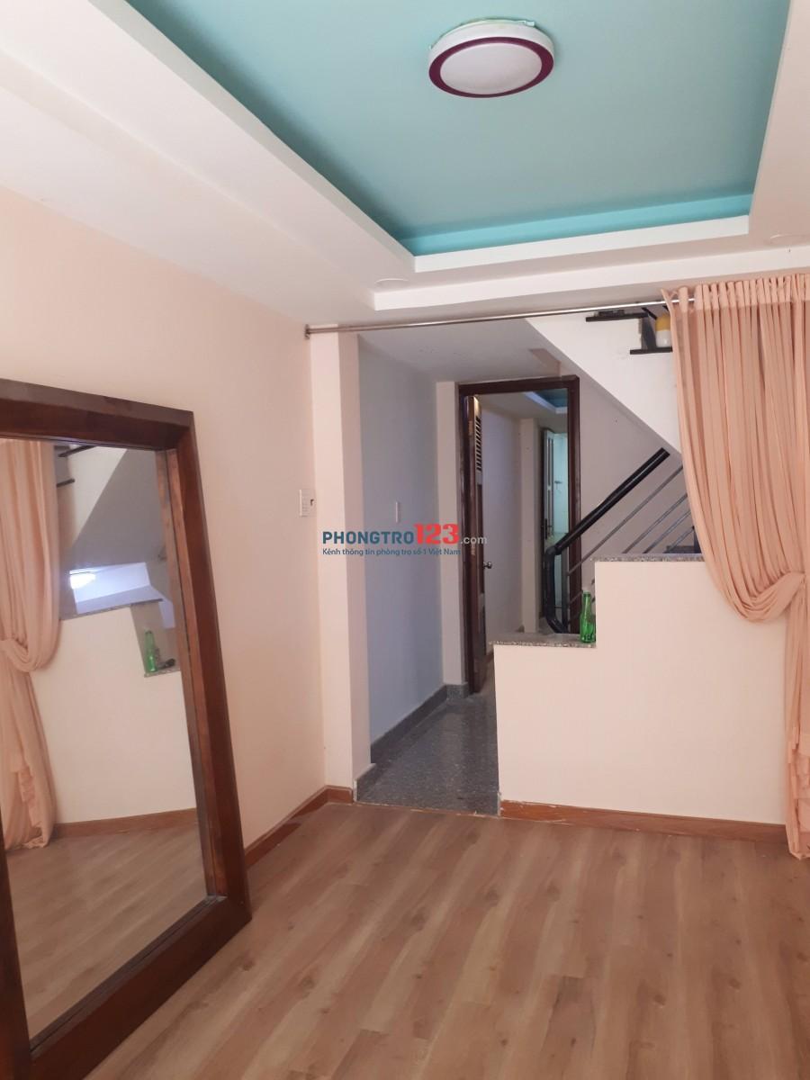 Cho thuê nhà đầu hẻm ô tô lưu thông. 1 trệt, 1 Lửng, 2 lầu tại đường Huỳnh Tấn Phát