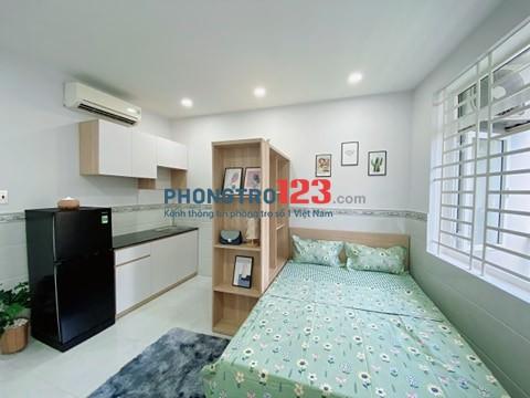 Phòng cho thuê ở Trần Quang Diệu Quận 3. Phòng có cửa sổ, ban công mát mẽ