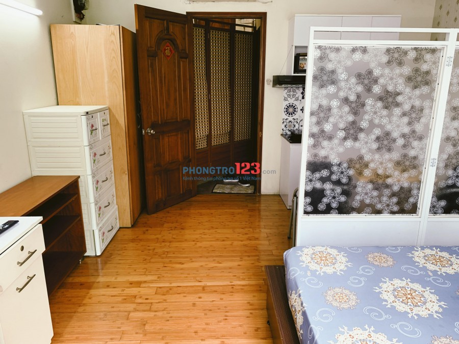 Chính chủ cho thuê phòng Full nội thất cao cấp Ngay Quận 1 Và Q3 Trung Tâm Thành Phố