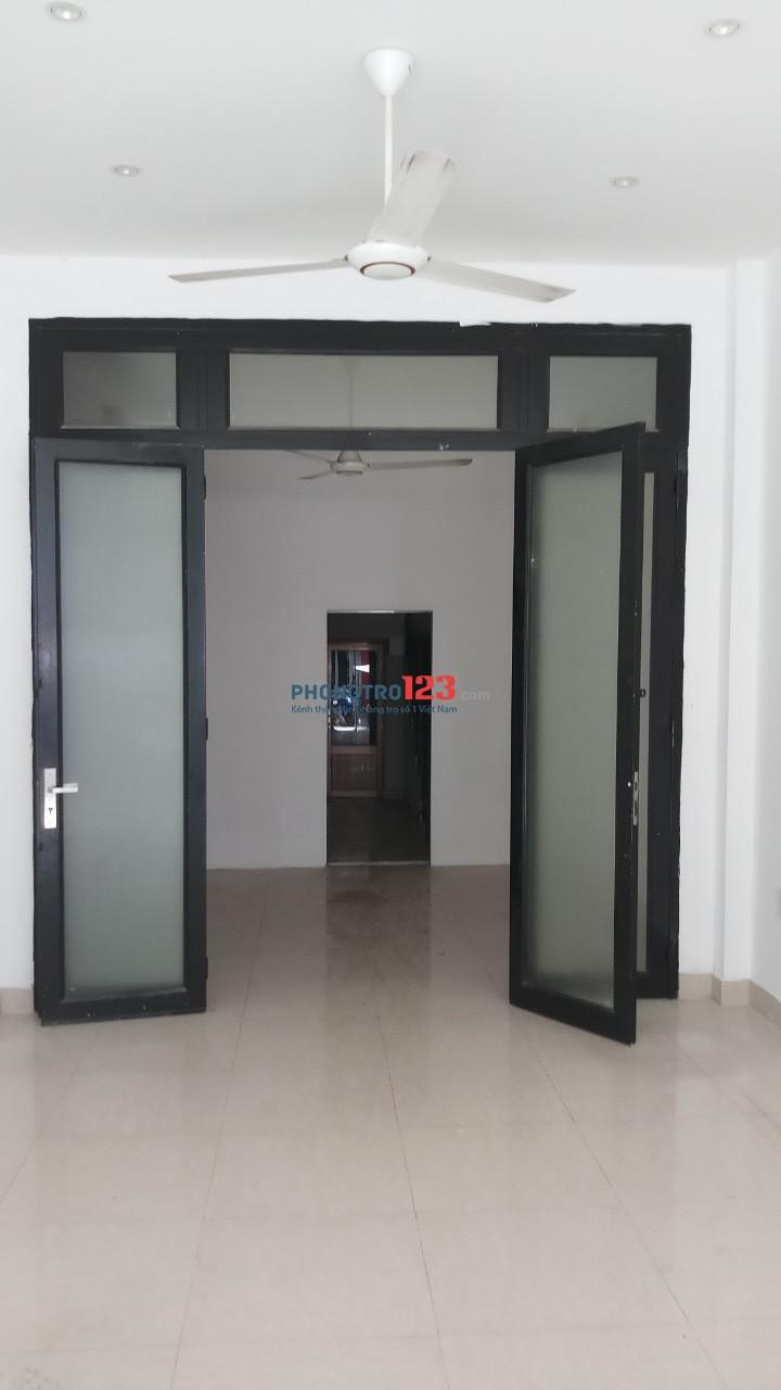 Chính chủ cho thuê nhà nguyên căn 1 trệt 3 lầu mặt tiền 23 Tân Sơn Hòa P2 Q Tân Bình