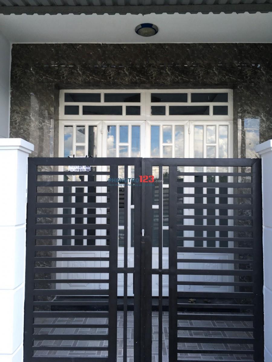 Cho thuê nhà nguyên căn 1 trệt 1 lầu gần chợ Hưng Long